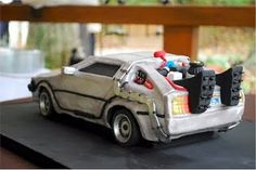 Back to the Future DeLorean Cake...my husband would freak if i could actually make this...hopefully one day I can try it.