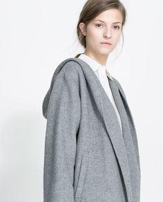 Image 5 de MANTEAU ENVELOPPANT CAPUCHE de Zara