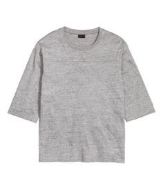 T-shirt in soft, marled jersey made from a cotton blend with slightly dropped shoulders and 3/4-length sleeves.