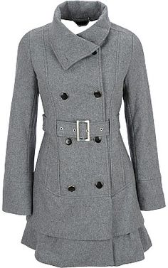 this looks like a coat Kate Middelton would wear . Outfits Otoño, Cool Outfits, Fashion Outfits, Blazers, Mantel, Beautiful Outfits, Winter Fashion, Wool Coat, Fasion