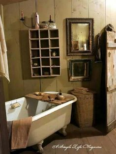Most Design Ideas Primitive Country Bathroom Decor Pictures, And Inspiration – Modern House Primitive Country Bathrooms, Primitive Bathroom Decor, Rustic Bathrooms, Modern Bathroom, Country Baths, Primitive Decor, Country Primitive, White Bathroom Paint, Master Bathroom Layout