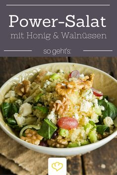 Ein richtiger Power-Salat! Bulgur wird mit Trauben, Edamame, Baby-Spinat und Blauschimmelkäse veredelt. On Top gibts crunchige Walnüsse und ein Honig-Dressing.