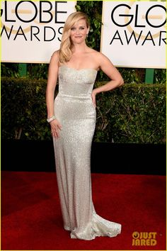 Reese Witherspoon wears 1.5 million in Tiffany diamonds to the Golden Globes.