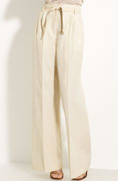 7d7ecb1c2eea I ve been looking for a pair of high-waisted trousers with a bow