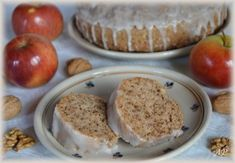 Jablkovo-ořechová bábovka My Favorite Food, Favorite Recipes, My Favorite Things, Czech Recipes, Sweet Cakes, Pudding, Baking, Breakfast, Desserts