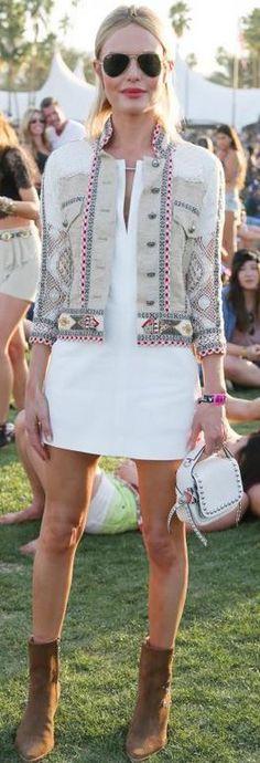 Who made Kate Bosworth's aviator sunglasses, white print jacket,...
