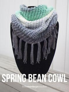 Spring Bean Cowl - free crochet pattern at Little Monkeys Crochet