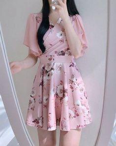 Party Fashion Dress Neckline 65 Ideas Source by chakinee dress Korean Fashion Dress, Korean Dress, Ulzzang Fashion, Korean Outfits, Asian Fashion, Fashion Dresses, Party Fashion, Cute Fashion, Look Fashion