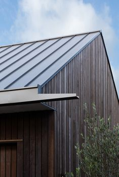 Building A Shed 299419075230944980 - Gallery of Belmont Park House / Tim Cuppett Architects – 14 Source by seashann Roof Design, House Design, Shed Landscaping, Detail Architecture, Black Barn, Roof Detail, Modern Barn, Park Homes, Modern Exterior