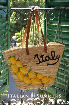 Straw market bag ITALY LEMONS and Italy writing. Great bag for the beach or city. Shop the cute little local markets or pack your bach essentials for Amalfi Italian Wedding Themes, Italian Weddings, Amalfi Coast Wedding, Italian Summer, Positano, Sorrento Amalfi, Be Natural, Market Bag, Italian Style