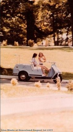 {*Lisa Marie with her friend Graceland 1977... 2wks before she would loose her father :(....... Elvis*}