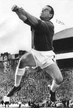 Celtic goalkeeper Ronnie Simpson in action in 1969.