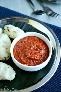 Chilly Tomato Chutney / Spicy Tomato Garlic Chutney