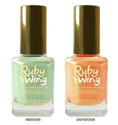 Rodéo de Ruby Wing : swatch du vernis de Ruby Wing. vernis photochomique vert vert amande à vert pistache. Déjà dans votre vernithèque ?