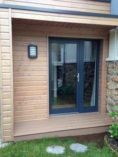 maison bois contemporaine modle pop180 avec terrasse bardage peint gris et enduit woodiance pinterest