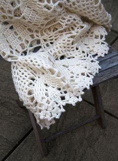 crochet blanket looks hard but beautiful~