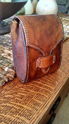 Leather belt bag Leather Belt Pouch, Leather Wallet Pattern, Leather Ring, Leather Art, Leather Tooling, Leather Purses, Leather Handbags, Crea Cuir, Leather Workshop