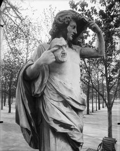 Eugene Atget - Statue of Autumne and Vertumne, ( Fall and Spring ) , Tuileries Garden - Paris, Mediatheque, Paris.