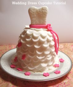 {DIY} How to Make Beautiful Wedding Dress Cupcakes with Fondant | Catch My Party