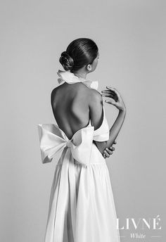 Taffeta Wedding Dresses Wedding Dress by Livne White - TILDA - Leave it to Livné White to dazzle us straight into wedding gown heaven with the latest bridal wedding dress trends for Wedding Dress Trends, Bridal Wedding Dresses, Bridal Style, Wedding Dress 2018, Foto Fashion, Fashion Models, Dress Fashion, Mode Inspiration, Wedding Inspiration