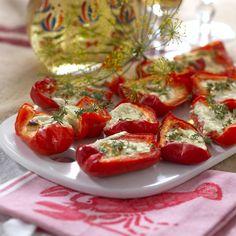 Fetaostfyllda paprikor Moussaka, Tzatziki, Caprese Salad, Bruschetta, Tapas, Vegetarian, Stuffed Peppers, Snacks, Vegetables