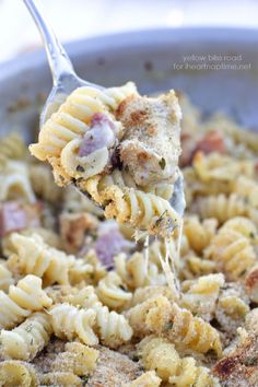One Pan Chicken Cordon Bleu Pasta - A delicious meal that cooks all in one pan for easy clean up!