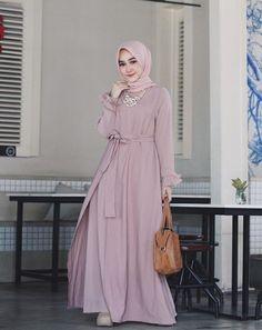 New Dress Pattern Long Fit Ideas Hijab Dress Party, Hijab Style Dress, Hijab Gown, New Dress Pattern, Dress Patterns, Abaya Fashion, Fashion Dresses, Muslim Women Fashion, Islamic Fashion