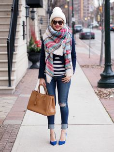 Blanket scarf and blazer with pumps