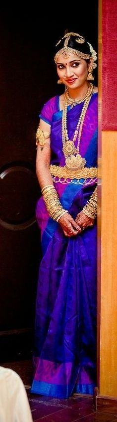 Oh my. If i were Indian and getting married, this (or something similar) would be mine. *Ahem*