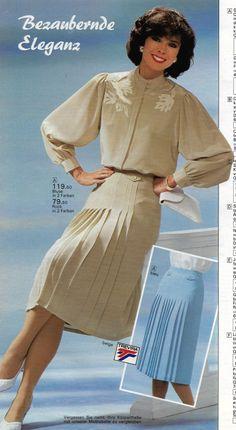 Great sleeves and nice pleats Black Girl Fashion, 80s Fashion, Modest Fashion, Vintage Fashion, Ladies Fashion, Vintage Skirt, Vintage Dresses, Vintage Outfits, Vintage Clothing