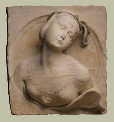 Buste de femme en médaillon - Musée des Beaux Arts de Lyon. France 1532 Calcaire H. 60 ; L. 56,5 ; P. 24,5 cm Echange avec le musée de Vienne en 1907 Inv. D 792