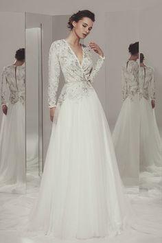 Adriana - Ivan Campaña - Vestido de novia en tul y pedrería. #novias #vestidos #lujo #bodasespeciales