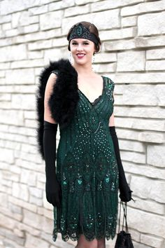 Have a 20s themed party? Jessica Quirk from What I Wore came up with this fabulous 20's ensemble and we can't get enough of!