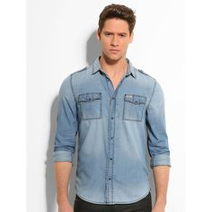 Hemd Seth Vanger Denim    Dieses klassische Jeanshemd mit Brusttaschen zeichnet sich durch authentische Details und einen vielseitigen Style aus. Richtig kombiniert verleiht es einem Basiclook eine dynamische Note.    Aufgesetzte Brusttaschen mit Druckknöpfen.  Verschluss mit Druckknöpfen.  100% Baumwolle.  Maschinenwäsche bei 30°....