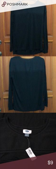 """Soft Black long sleeve S NWT Old Navy Black long sleeve in soft polyester rayon blend. Super light weight top.  Tag says small but I'd say a small/medium. Shoulder part upper no stretch but arms and bottom has stretch.   Armpit to armpit 20"""" Shoulder seam to cuff hem 20"""" Shoulder to waist hem 24"""" front back 25"""" Old Navy Tops Tees - Long Sleeve"""