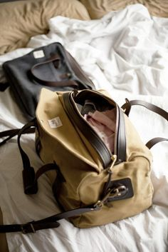 My Filson Weekender Bag. Recherche Photo, Reebok, Gentleman Style, Swagg, Travel Bags, Dame, Leather Bag, Purses And Bags, Fall Outfits