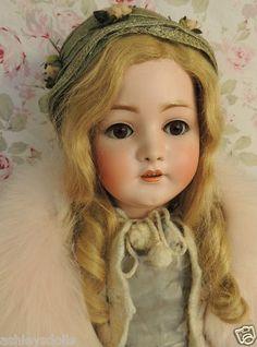 """Résultat de recherche d'images pour """"antique doll"""""""
