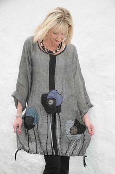 Mara Gibbucci grey flower tunic