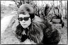 Young Elton first photoshoot, 1968