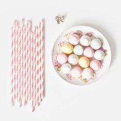 Light pink paper straws / Paie de hartie roz deschis Pink Paper, Paper Straws, Party Accessories, Party Supply Stores