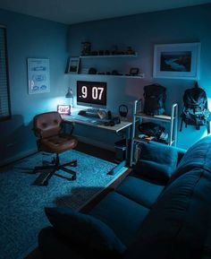 Adorable 31 Attractive Led Digital Clocks Ideas For Workspaces To Try Asap Home Office Setup, Home Office Space, Home Office Design, House Design, Office Ideas, Cozy Office, Office Decor, Computer Gaming Room, Gaming Room Setup