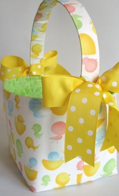 easter - easter basket - twenty little toes - fabric easter basket Fabric Storage Boxes, Fabric Boxes, Spring Crafts, Holiday Crafts, Yarn Projects, Sewing Projects, Kimono Sewing Pattern, Egg Hunt, Easter Baskets