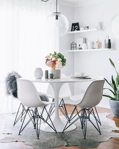 Ikea 'Docksta' tulipe table @oh.eight.oh.nine