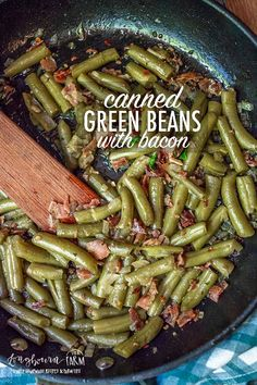 Canned Green Beans with Bacon Canned green beans don't have to be boring! Add onions and bacon to kick up this pantry staple a few notches. This is a family favorite! Southern Green Beans, Can Green Beans, Green Beans With Bacon, Fried Green Beans, Crockpot Green Beans, Roasted Green Beans, Bacon Recipes, Veggie Recipes, Cooking Recipes