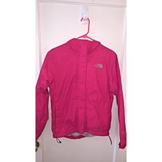 THE NORTH FACE windbreaker/rain coat Used a few times. Excellent condition North Face Jackets & Coats