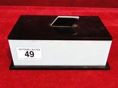 49) Classic art deco geometric design Bakelite/phenolic cigarette box Est. £30-£40