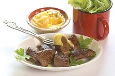 Ostrich Steak with Bearnaise Sauce Ostrich Meat, Meat Recipes, Cooking Recipes, Bearnaise Sauce, Gluten Free Living, Fish And Meat, Wheat Gluten, Taste Buds, Steak