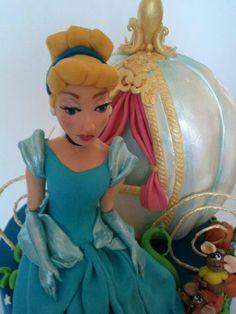 Le dolci Fantasie di Maria~ cinderella's cake