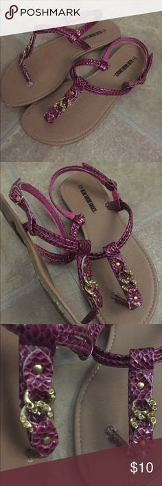 Magenta sandals Magenta sandals. Size 5 but fit loose like a wide 6.5. Gold chain detail has holes to give an illusion. There were never rhinestones in place. These have been worn and are sold as is. Shoes Sandals
