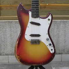 Sounds like Fender's looking to recreate the Duo-Sonic for us youngsters who like that funky old school look. I'll likely be going after one of those once I get my Strat.
